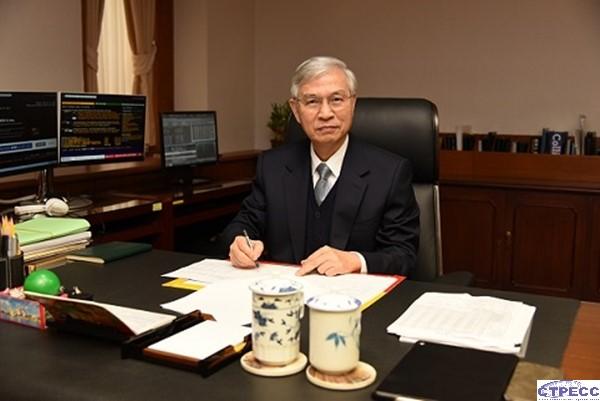 台灣中央銀行總裁楊金龍 拿到2021年全球主要國家央行總裁評比「A-」